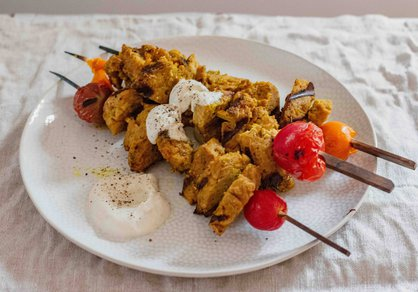 Brochettes de seitan façon poulet au curry