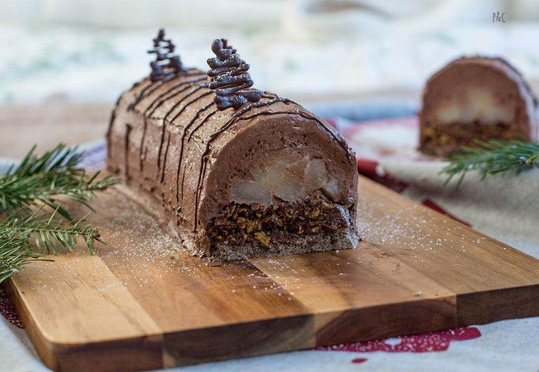 Bûche de noël vegan chocolat-praliné-poire