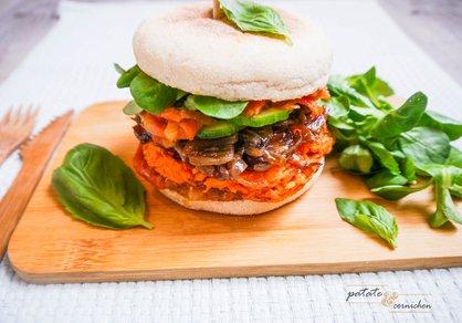 Burger vegan à la patate douce, ketchup de poivron