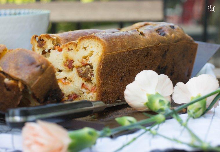 Cake salé vegan aux tomates séchées