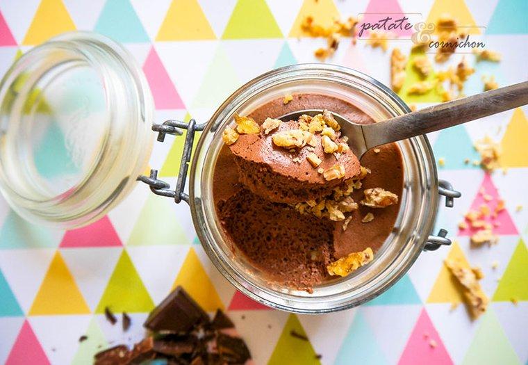 Mousse au chocolat vegan et éclats noix de pécan-caramel