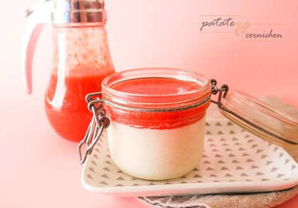 Panna cotta vanille et coulis de fraise