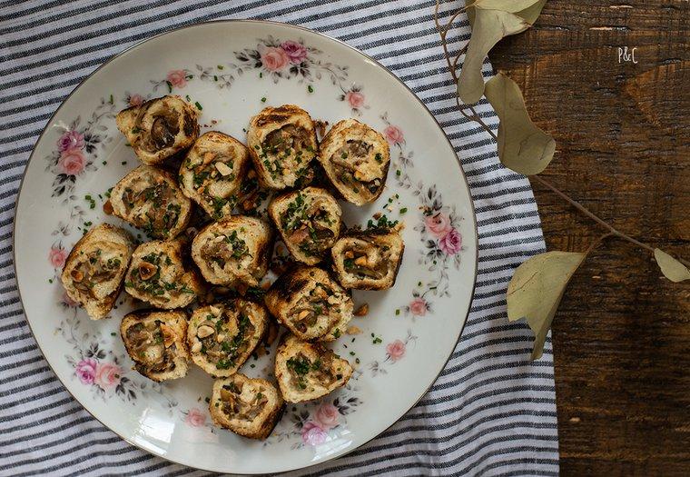 Petits roulés aux champignons et crème de noix de cajou