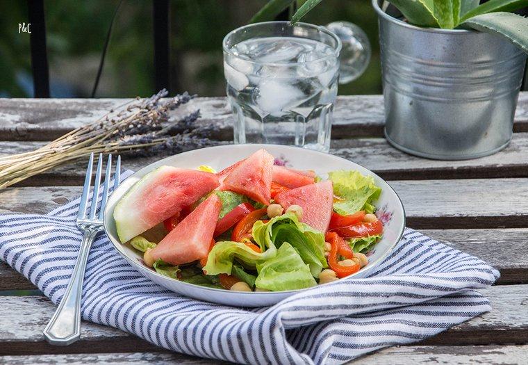 Salade à la pastèque et poivrons grillés